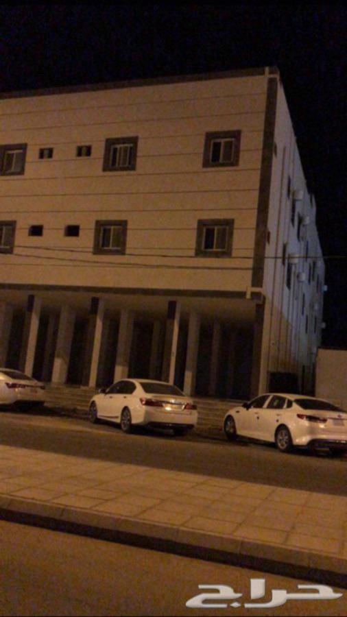 شقة عزاب غرفتين وصالة ديلوكس مكيفة الضاحية عرعر