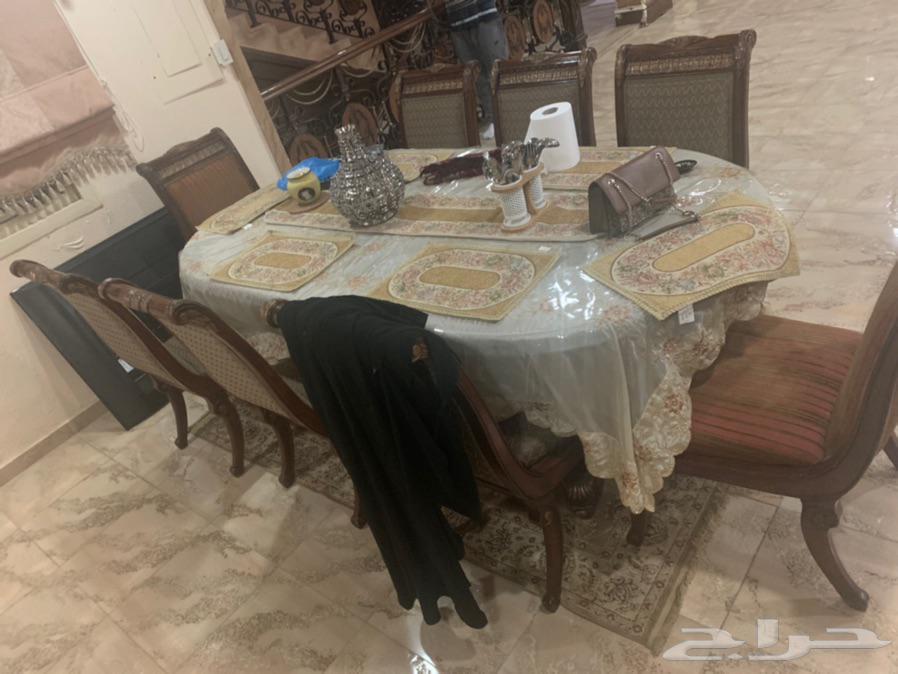 كنب طاولة طعام ستارة سجاد دولاب