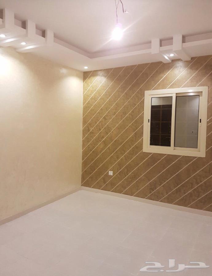 للايجار شقه 5 غرف حي الصفا خلف قصر رهام للافراح جده