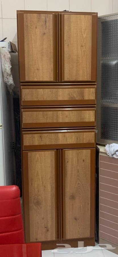 اغراض بيت من غرفة نوم وكنب ومكيفات ومطبخ للبيع