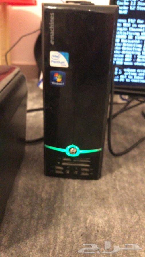 كمبيوتر وطابعه