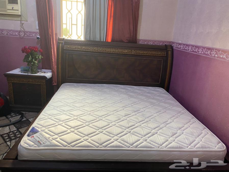 سرير وا وساده للبيع