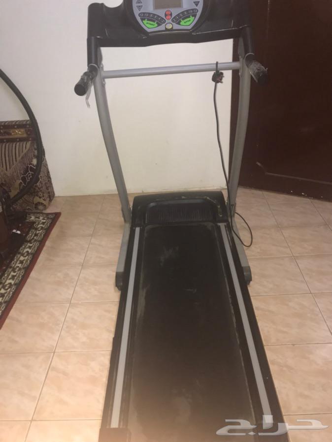 جهاز مشي رياضي شغال