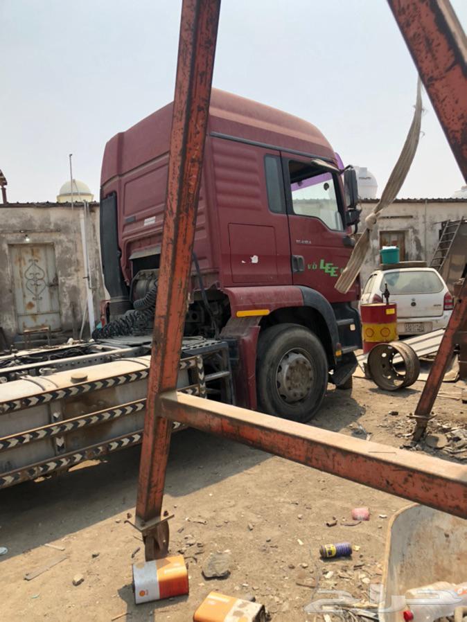 راس شاحنه مان2001 TG410مصدوم للبيع تشليح. الموقع جده