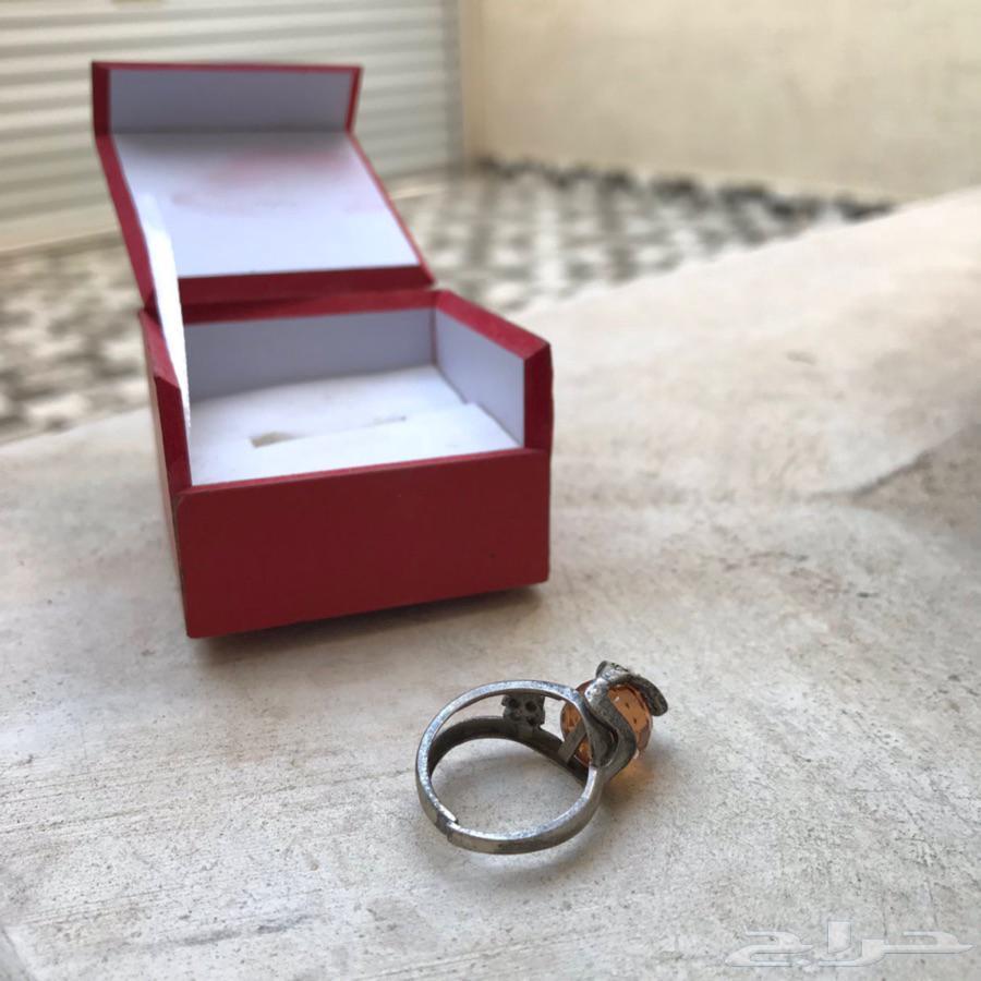 خاتم نسائي قديم