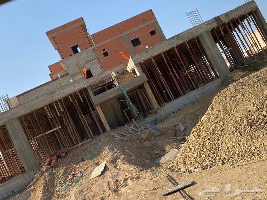 دور عظم شقتين من 4غرف و3دورات مياه ومطبخ وصالة مساحة 487 5