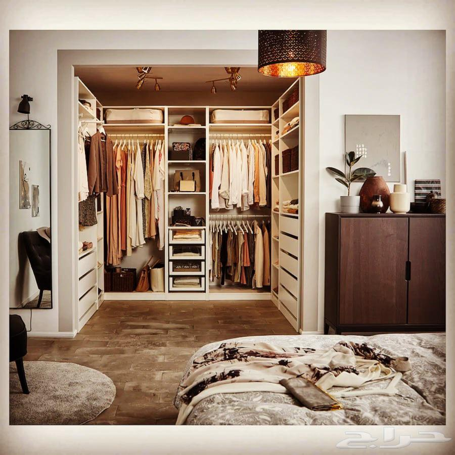 نجار وفني تفصيل ديكورات خشبيه وغرف نوم حسب الطلب والمقاسات