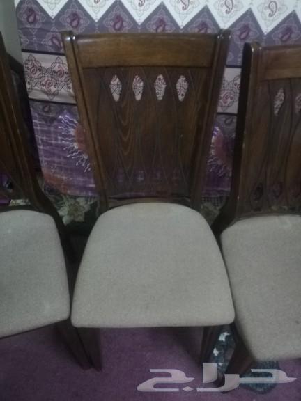 طاولة اكل مع الكرسي