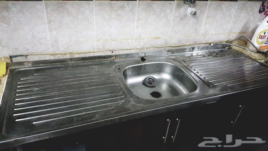 حوض مطبخ والأدوات الخاصة له للبيع