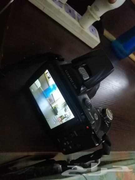 كاميرا نيكون للبيع على السوم معها كل شيء