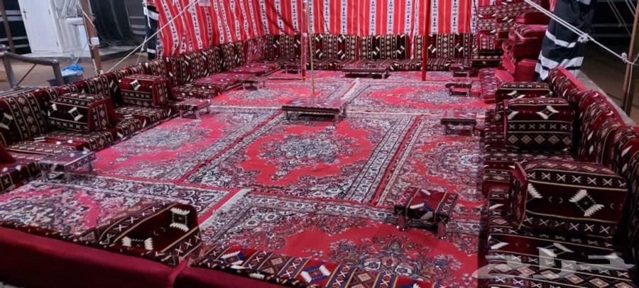 مخيم للإيجار مكون من بيت شعر