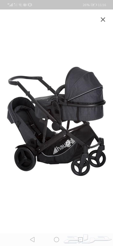 عربة اطفال توأم شبه جديده للبيع