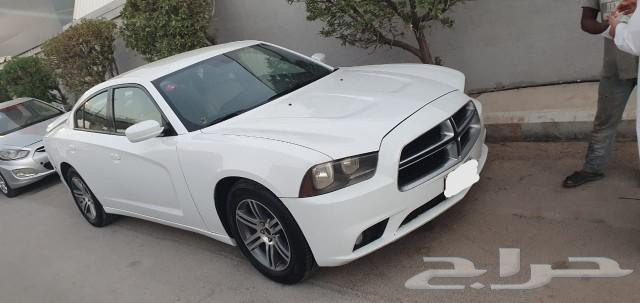 بيع سيارة دوج تشاجر