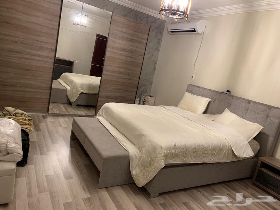 اثاث شبه جديد غرفة نوم وصالة استخدام 6 اشهر فقط