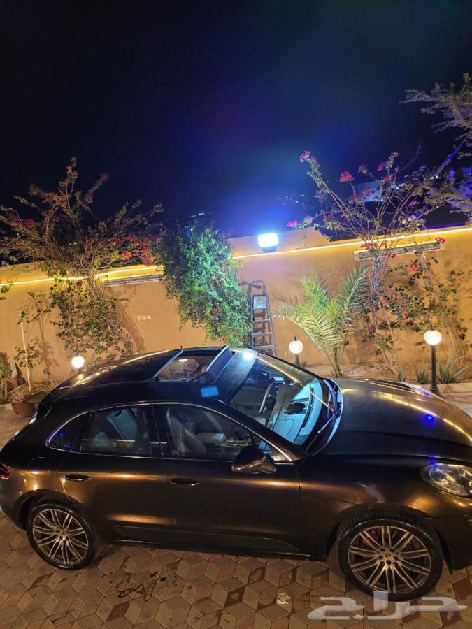 سيارة بورش ماكان 2015