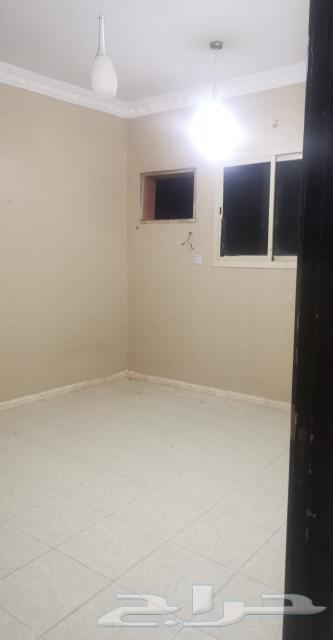 شقة عوائل للايجار بحي الغروب شارع نجم الدين