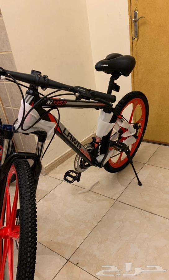 دراجة 26 ودراجة 20