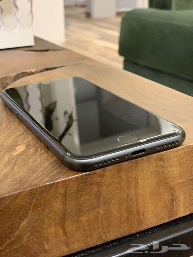ايفون 8 اسود ذاكرة 64 حد 550