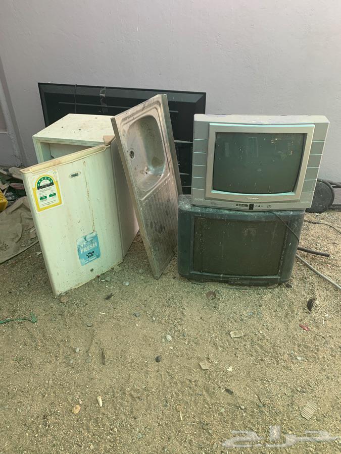 تلفزيونات وثلاجة ومجلى