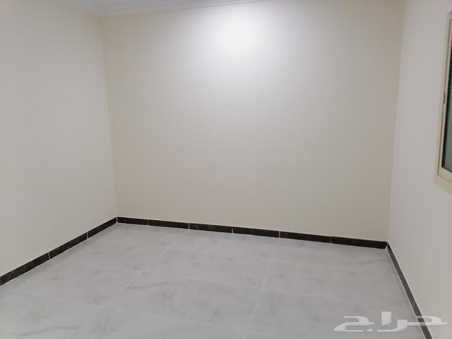 للبيع بالعزيزية دبلكس درج صالة مساحة 406متر