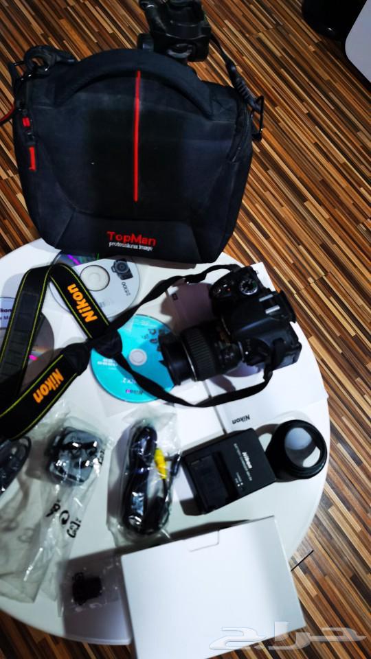 كاميرا نيكون d5100 مستعملة مع كامل القطع