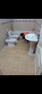 كشف تسربات الخزانات تسربات الحمامات أسطح