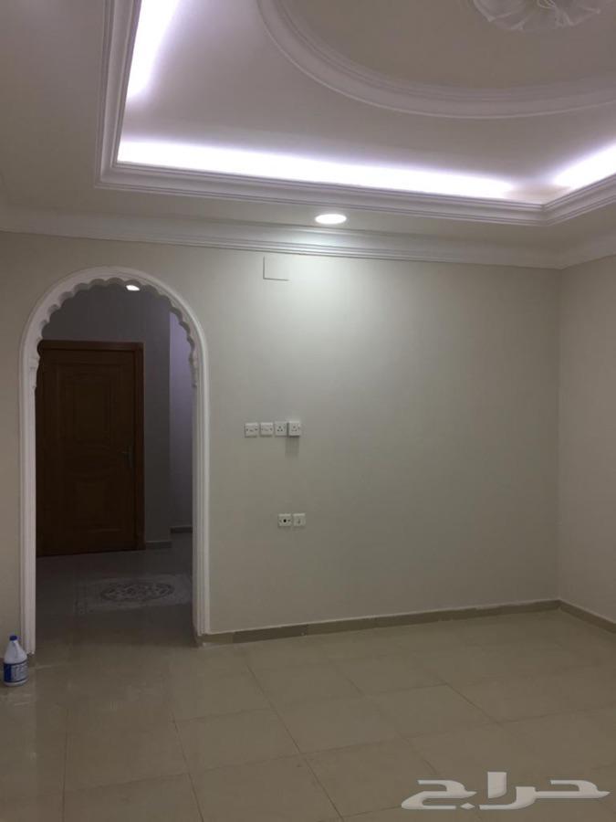 شقه للايجار بحي مسره خلف النيابه العامه