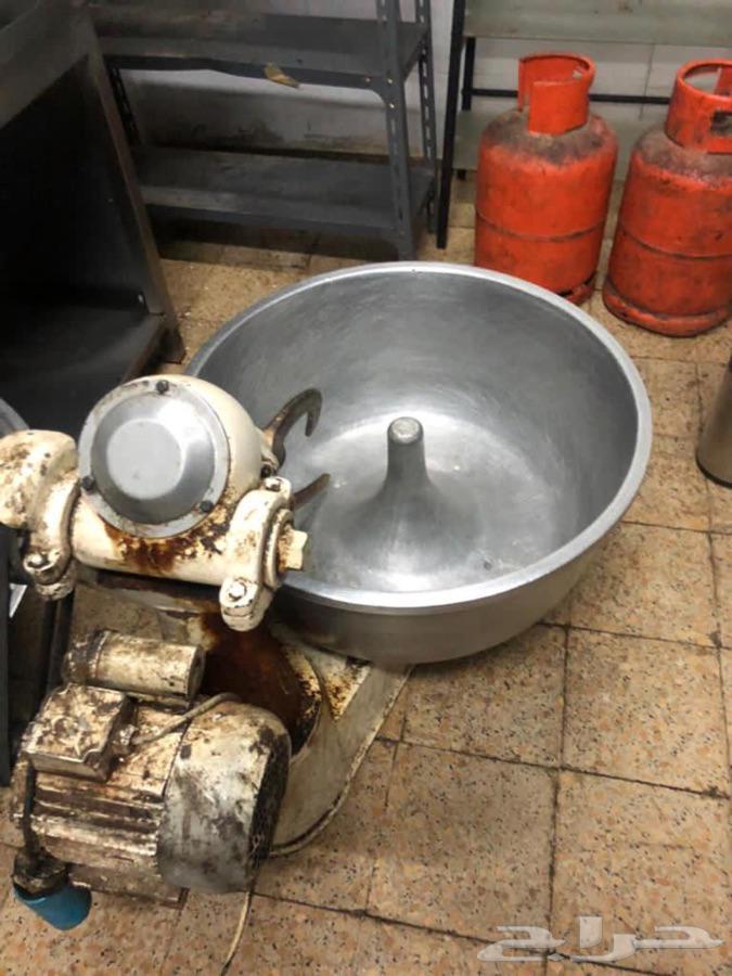 معدات مصنع حلويات للبيع