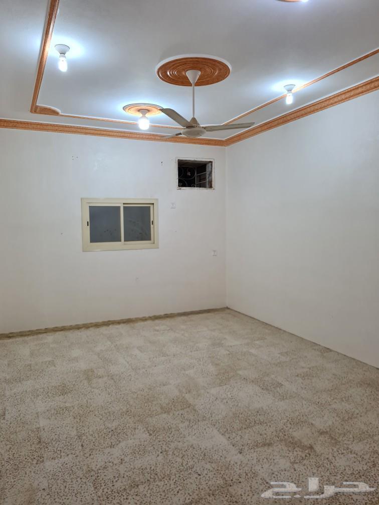 شقة الموسى دور ثالث بدون مصعد