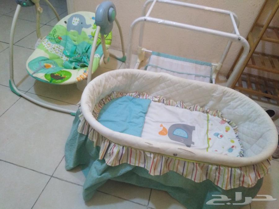هزازه وسرير متنقل للاطفال
