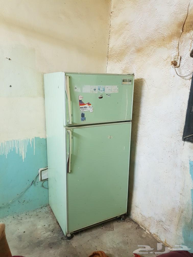 ثلاجة كبيرة عائلة في محافظة سراة عبيدة