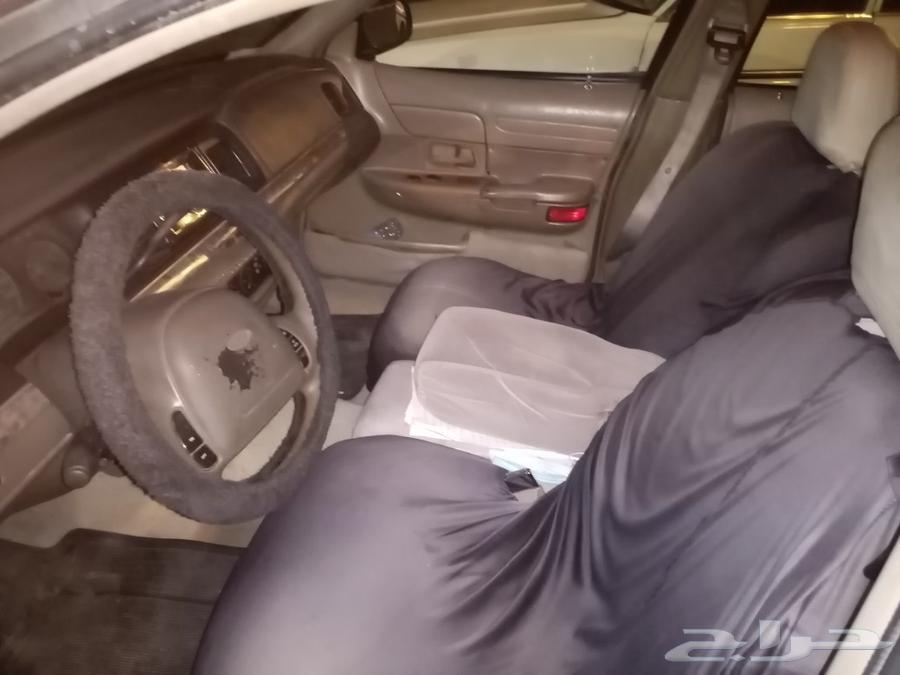 سيارة فورد كراون فكتوريا موديل 1999