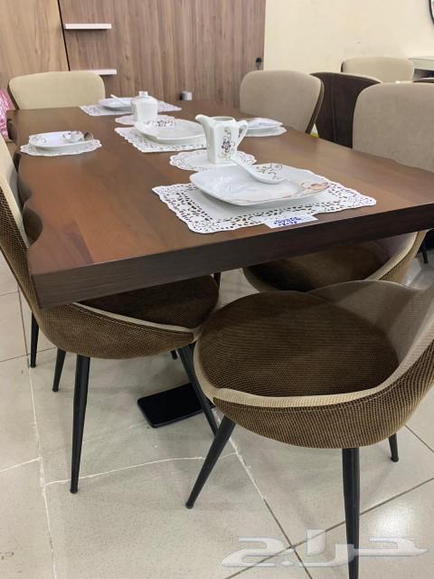 طاولة طعام تفصيل وجاهز