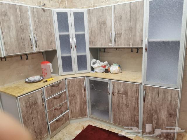 فني نجار فك وتركيب غرف النوم والمطابخ