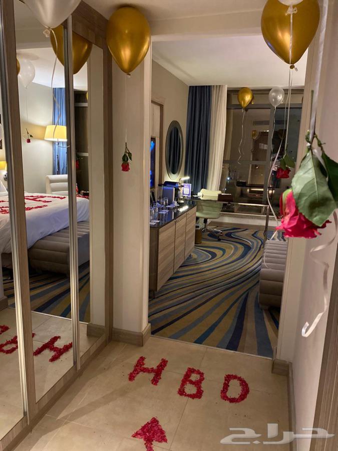 تنسيق غرف عرسان حجز في برج داماك ذكرى زواج هدايا
