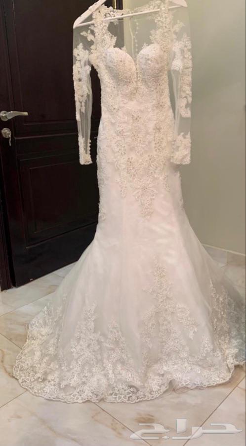 فستان ديميتريوس
