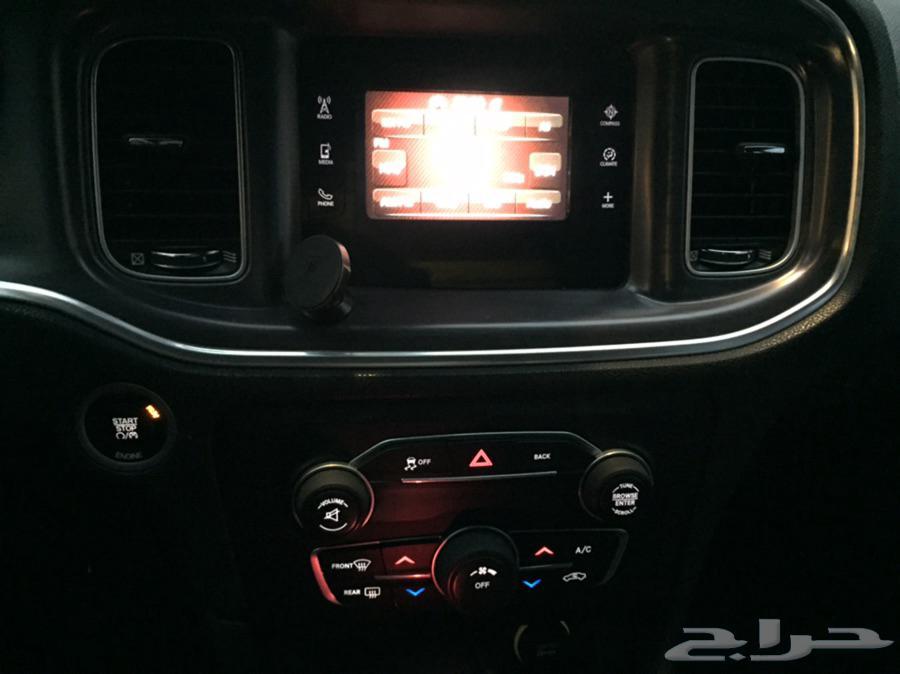 دودج تشارجر 2015 V6 سعودي العداد 133 الف نظيف