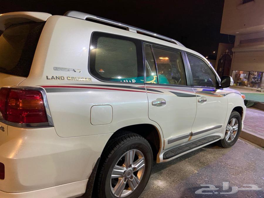لاندكروزر 2015 للبيع بريمي