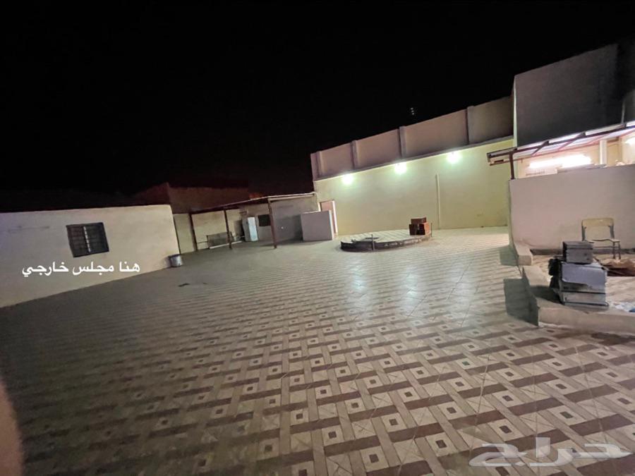 بيت للبيع في الدرب حي الكدره إجمالي المساحه 566م عمر البيت