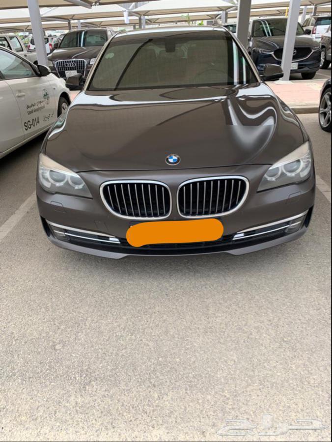 BMW 730Li مخزن