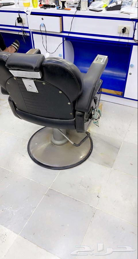 كرسي حلاق نظيف جدا
