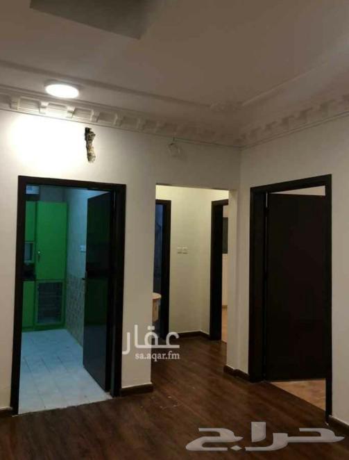 شقة للأيجار في حي الحمراء دور أول 4 غرف
