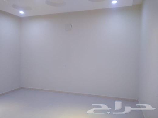 فيلا للبيع في العوالي دور و3شقق مساحه 450