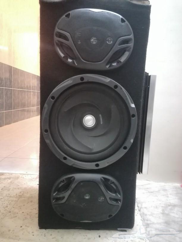 سماعات مع جهاز مصفي معاها صندوق للبيع
