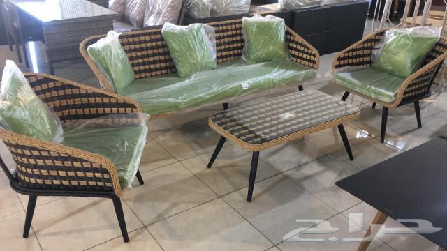 جلسات خارجي خيم سيارات اطفال كنب طاولات طعام